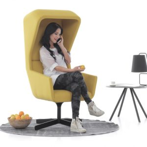 positiva chair gele lounche chair van Bureaustoelen MKB