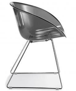 Gliss chair van Pedrali met sledefarme en smoke kleur kuip Pedrali | Bureaustoelenmkn